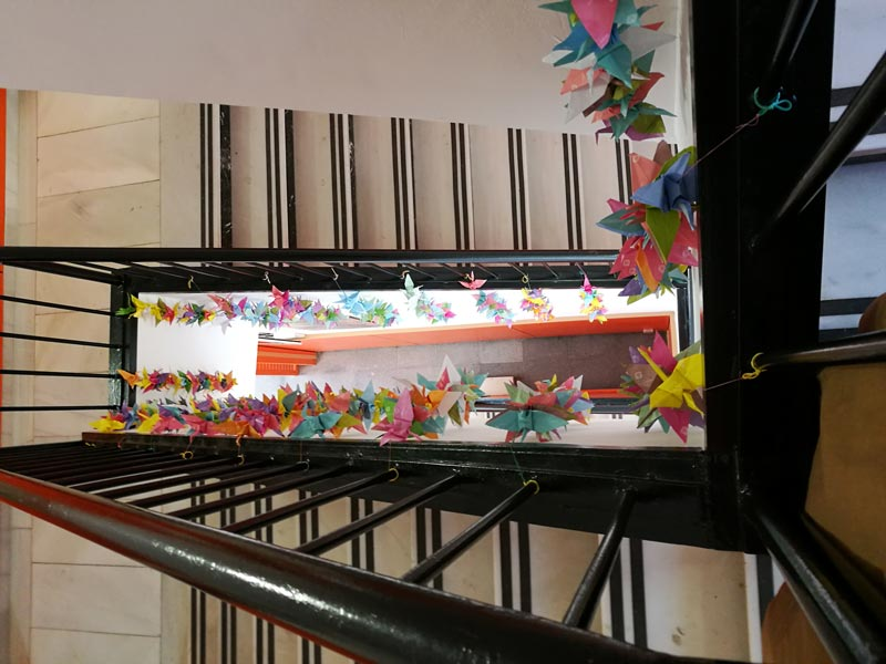 Les escoles ho peten amb els origamis 2a part un for Escoles de disseny d interiors a barcelona